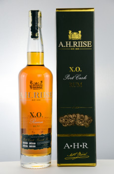 A.H. Riise X.O. Reserve Port Cask Rum Limited Edition 45% Vol. 700ml
