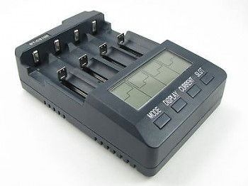 OPUS Profi Universalladegerät BT-C3100 V2.2 für L-Ion, NIMH 18650 18500 18350
